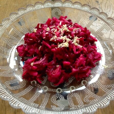 salade: hareng, betterave, pomme