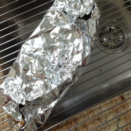 Poivrons dans le papier aluminium